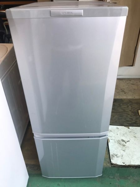三菱ノンフロン冷凍冷蔵庫MR-P15X-S