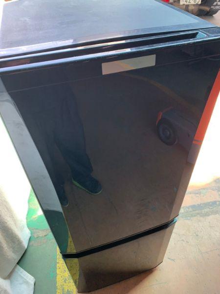 三菱ノンフロン冷凍冷蔵庫 MR-P15Z-B1