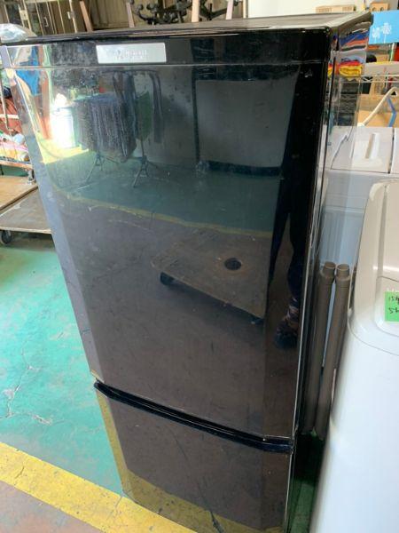 三菱 MITSUBISHI MR-P15A-S 冷蔵庫