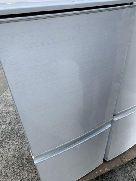 SHARP シャープ 冷凍冷蔵庫 SJ-D14C-W